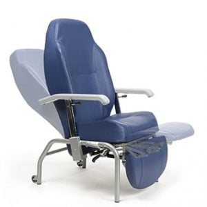 Luxe fauteuil van het merk Vermeiren in vele trendy kleuren, kleur blauw waarbij rug en been afzonderlijk ingesteld kan worden