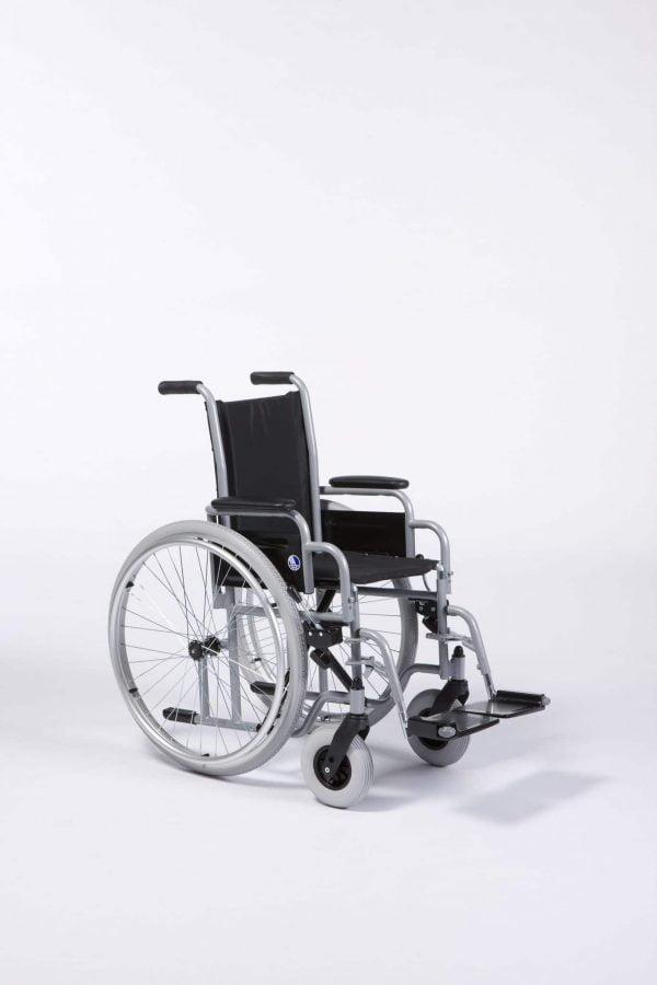 Kinderrolstoel Vermeiren met vrolijke wielen 708 merk Vermeiren in 2 maten