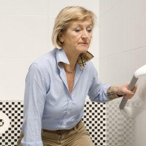 Wandbeugel Harold geschikt tot 150 kg belasting, merk SecuCare met vrouw